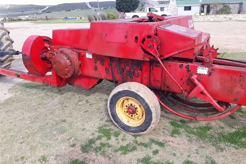 Other M F 126 BALER FOR SALE   GOOD WORKING ORDER