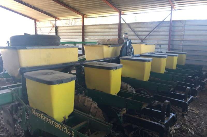 Other Planting and seeding 6 ROW 91CM PLANTERS (x2)