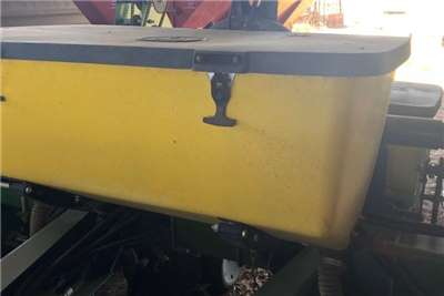 Other 6 ROW 91CM PLANTERS (x2) Planting and seeding