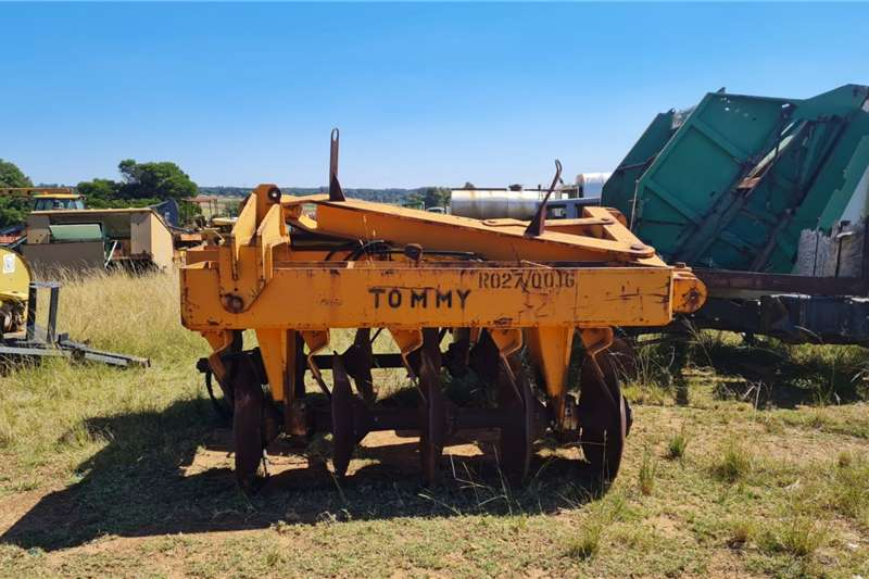 Other 2x Planting and seeding equipment