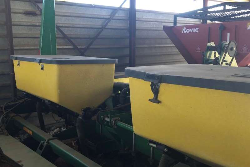 Other 6 ROW 91CM PLANTERS (x2) Planting and seeding equipment