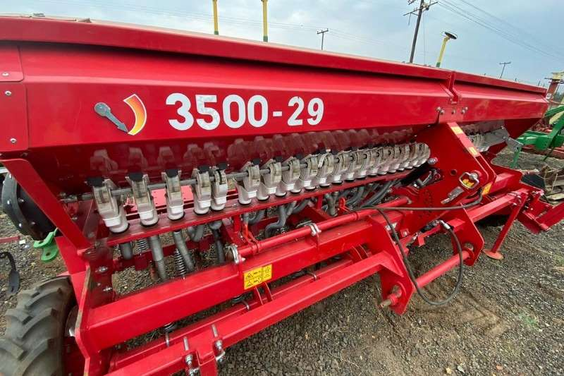 Other Planting and seeding equipment Air drills Rovic YUS 3500 29 Drill 2017