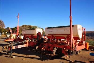Other Drawn planters 8 Row Gaspardo Maize Planter Planting and seeding equipment