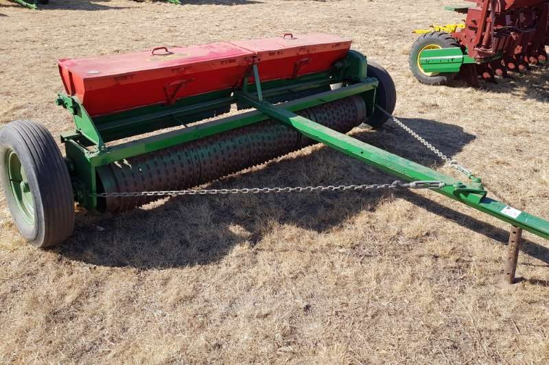 Other Drawn planters Brillion fine seed planter Planting and seeding equipment