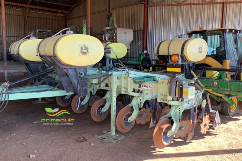 Other Planting and seeding equipment Drawn planters Orthman 1tRIPr + John Deere 1750 2016