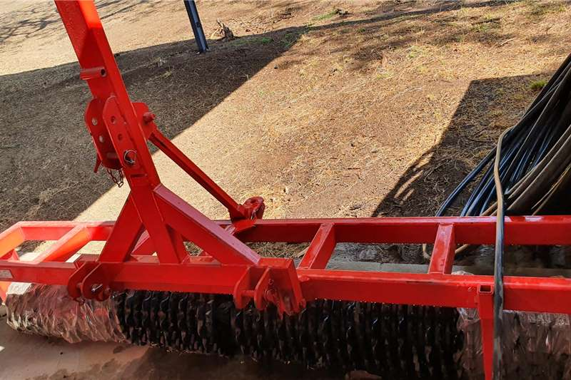 Other New Viraks Teff roller 3m Planting and seeding equipment