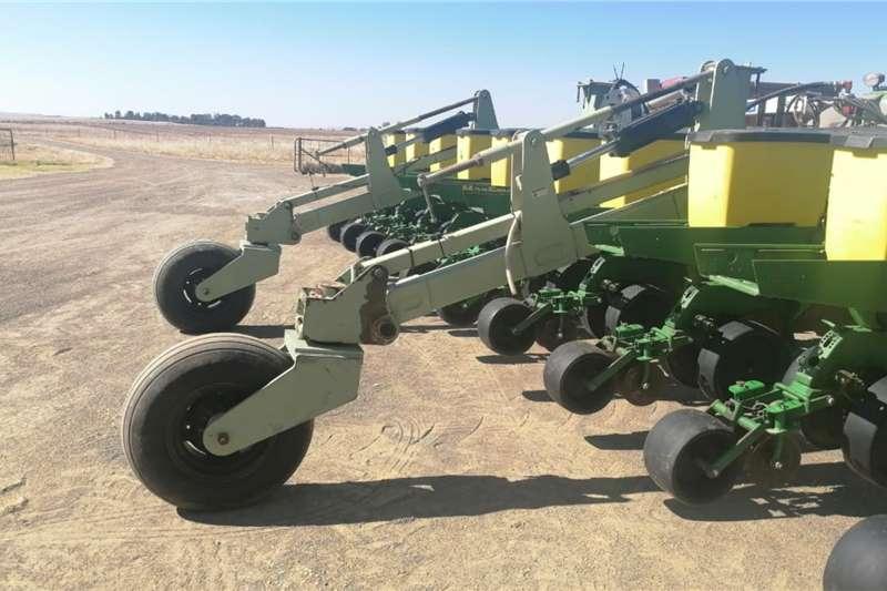 Other Orthman John Deere 10row 0.76cm planter combo Planting and seeding equipment
