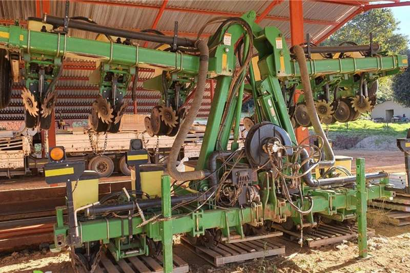 """Other Planting and seeding equipment Row planters Precision Planting 12 30"""" 2017"""