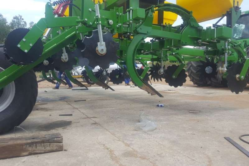 Other Planting and Seeding Row Units Riptill / Striptill with Super 25 Tine 2019