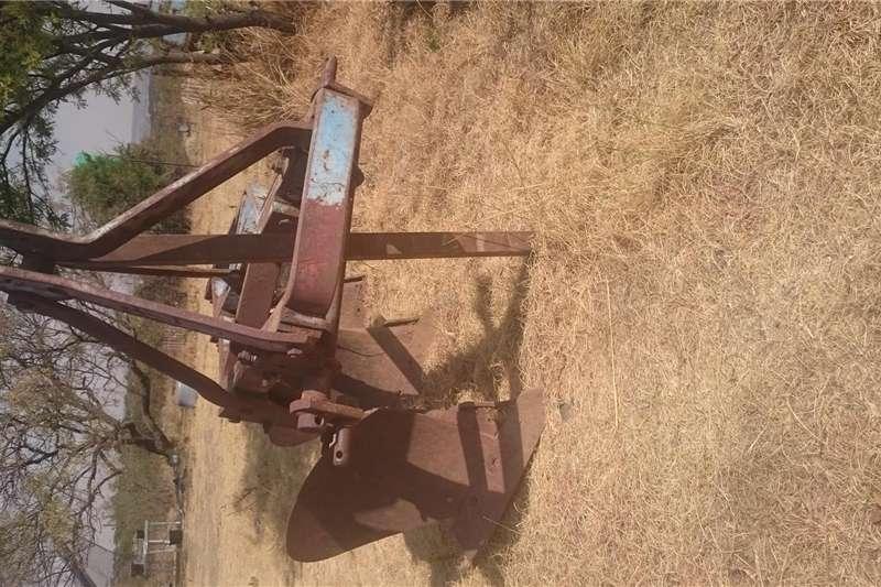 Other ploughs 3 skaar ploeg