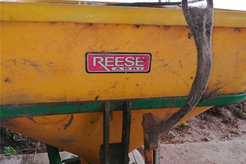 Reese Kunsmisstrooier Other