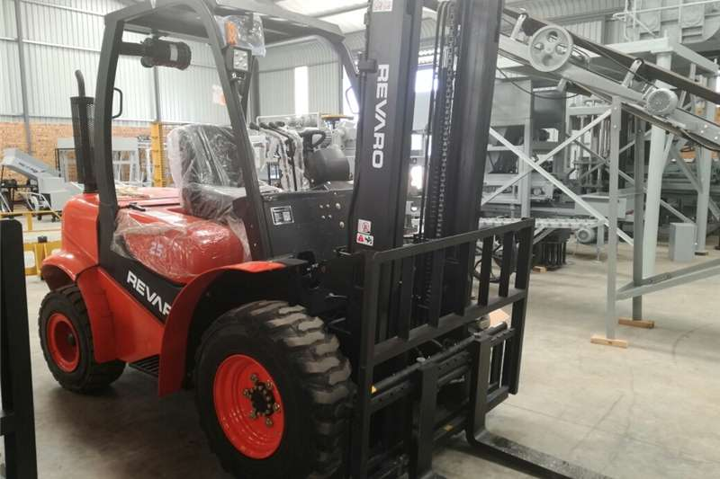 Revaro AT25D 2.5Ton All Terrain Forklift (2 Stage) Other