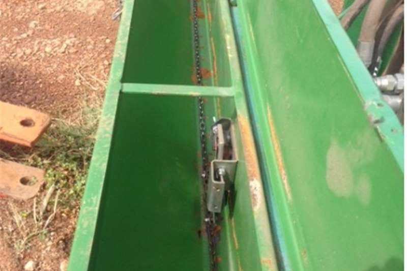 Other S2994 Green U Make Teff Planter  Pre Owned Impleme