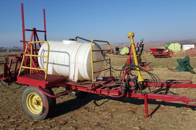 Other Spraying equipment Boom sprayers 1000 litre sprayer with Hydraulic boom