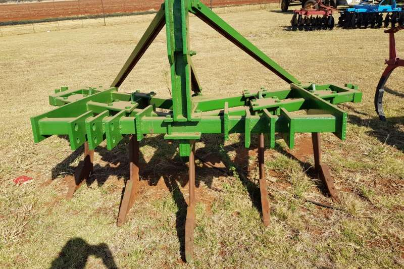 Other Tillage equipment Cultivators 5 tooth ripper / 5 tand ripper