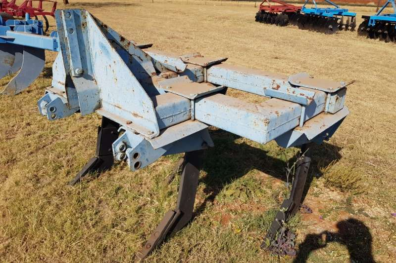 Other Tillage equipment Cultivators 5 tooth ripper