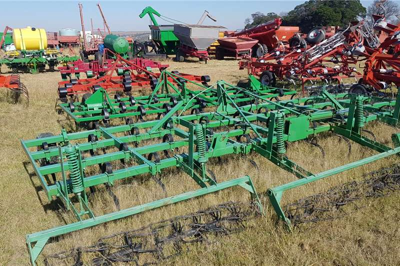 Other Tillage equipment Cultivators John Shearer seedbed preperator