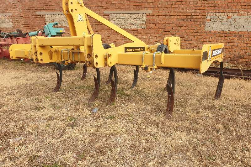 Other Tillage equipment Harrows agricem 9 tine culti plough 2013
