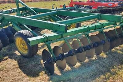 Other Off-Sets John Deere 12x12 24 Hydraulic Disc Harrow Tillage equipment