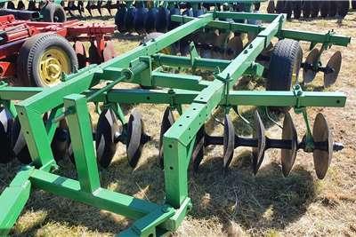 Other Off-Sets John Deere 12x12 Hydraulic Disc Harrow Tillage equipment