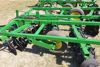 Other Off-Sets John Deere 14x14 28 Hydraulic disc harrow Tillage equipment