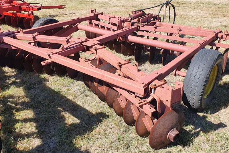 Other Off-Sets Red 14x14 28 disc harrow Tillage equipment