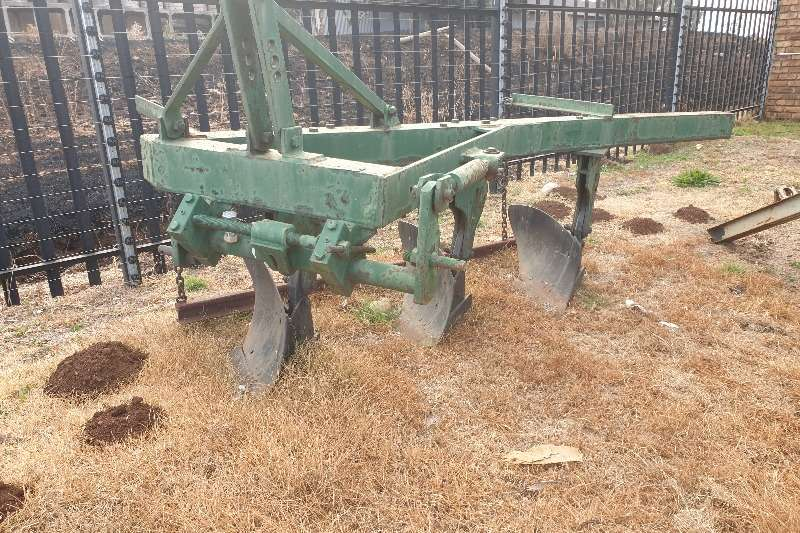 Other Tillage equipment Ploughs 3 skaar ploeg 1999