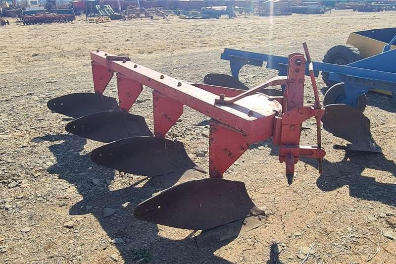 Other Ploughs 4 furrow Massey FergusonPlough Tillage equipment