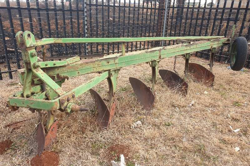 Other Tillage equipment Ploughs 5 skaar plough R7000 1997