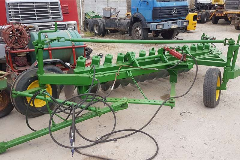 Other Tillage equipment Ploughs Soilmaster 14 Skottel