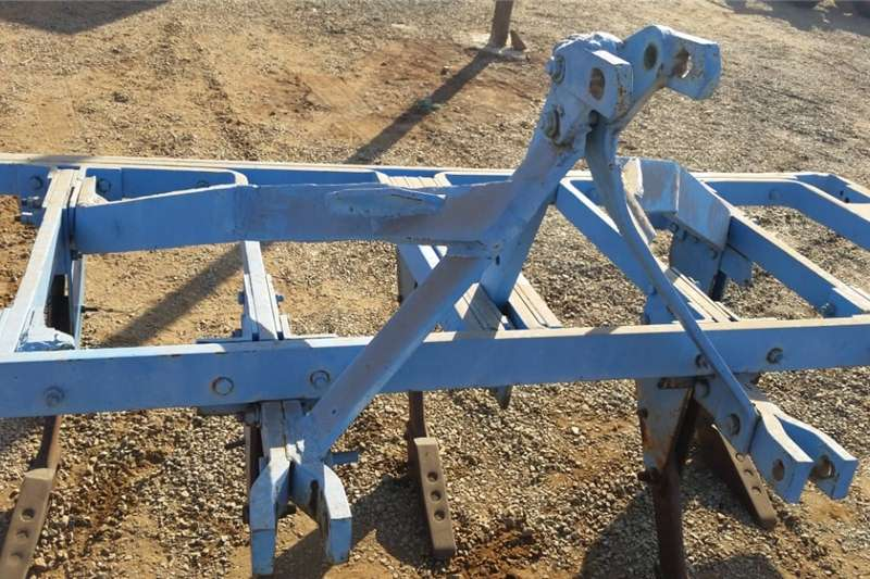 Other U Make 5 Tine Ripper Pre Owned Implement