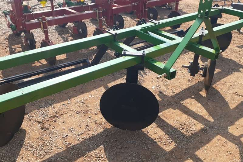 U Make Double Row 4 Disc Ridger with Roller / Walb Other