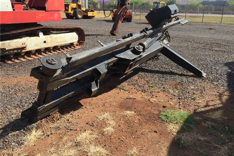 Other U Make Hook Lift Pre Owned Other