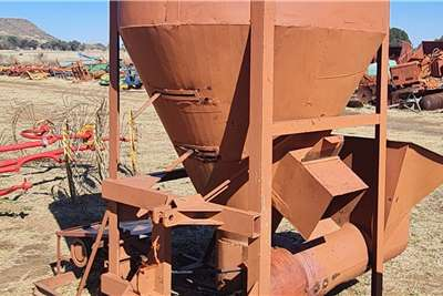 Vertical PTO Feed Mixer Other