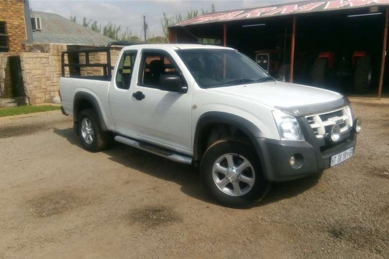 Other White Isuzu KB250 4X2 Pre Owned Car 2011