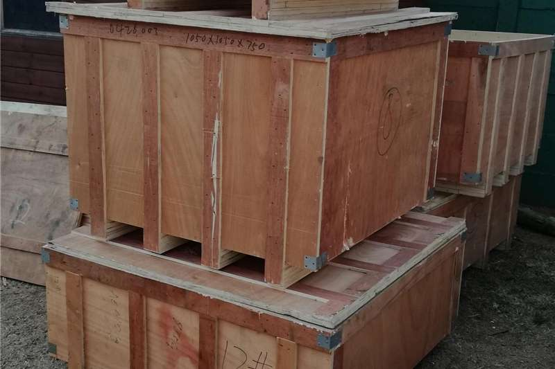 Pack house equipment Pallets CRATES PALLETS