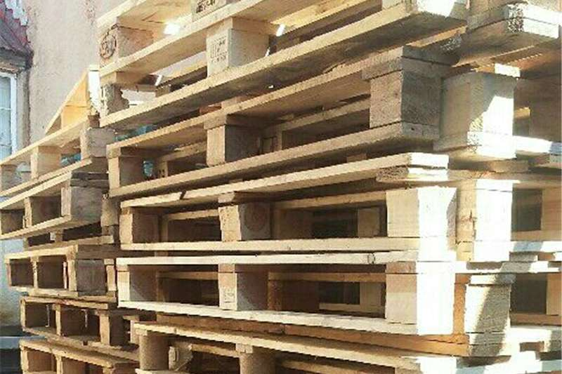 Pack house equipment Pallets Light Euro pallets for sale good for storage and w