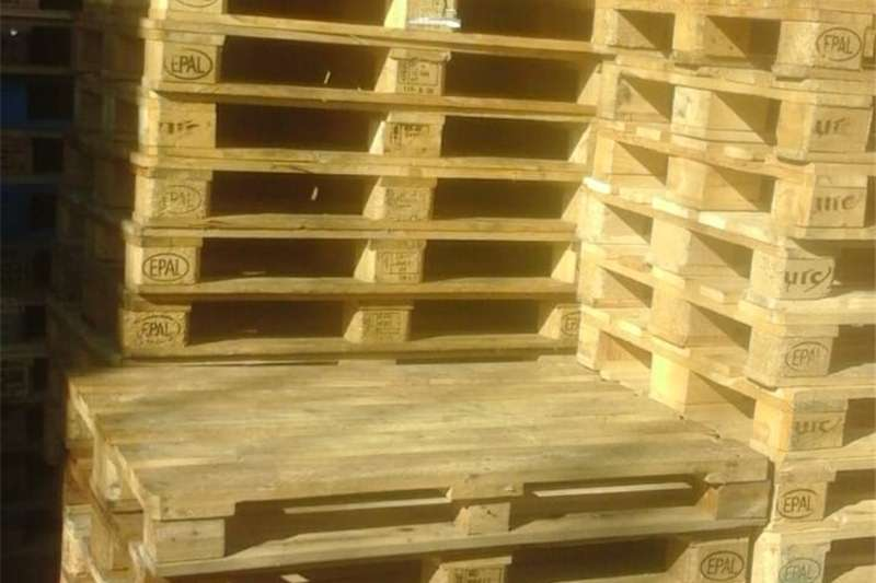 Pack house equipment Pallets Pallets For Sale