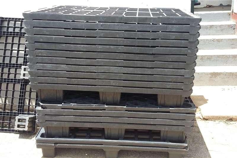 Pack house equipment Pallets Plastic pallets for sale size 1.2x800m