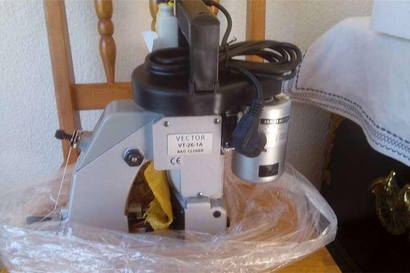 Packhouse equipment Packaging machinery  Sak toewerk Masjien / Bag Closers. Sak Stikmasjien