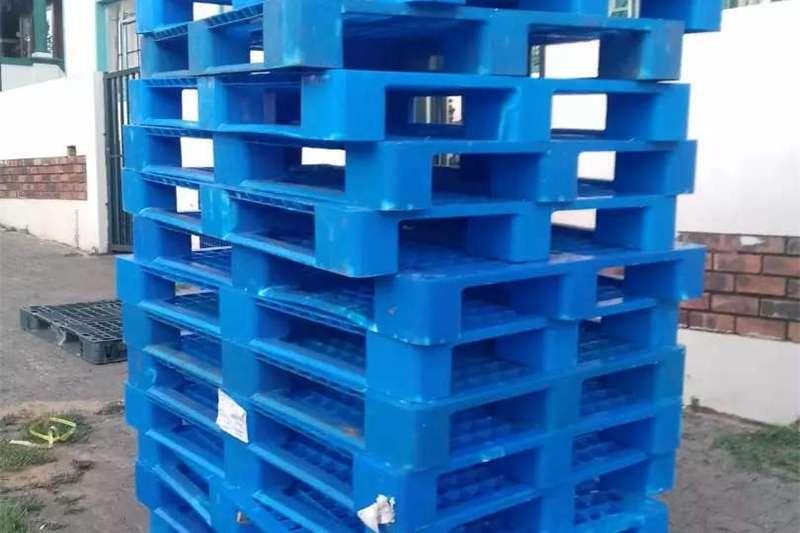 Packhouse equipment Pallets plastic pallets for sale