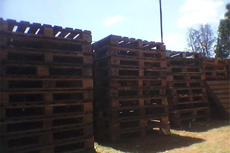 Packhouse equipment Pallets Second hand wooden pallets   R35