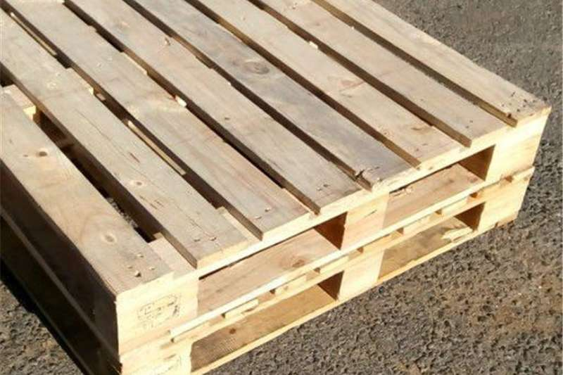 Packhouse equipment Pallets WE BUY AND SELL WOODEN PALLETS
