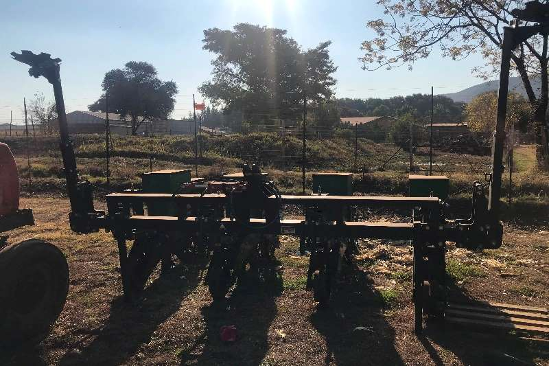 Piket Implements Row planters PIKET PLANTER Planting and seeding equipment