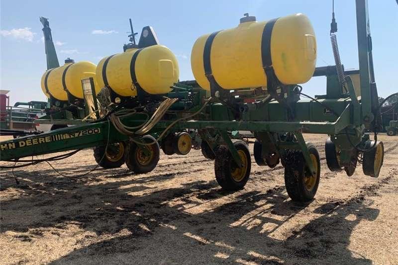 Air carts John Deere 6 ry .91 vakuum Planting and seeding equipment