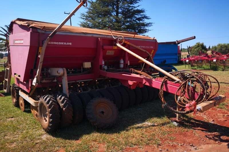 Planting and seeding equipment Air drills Kongskilde Demeter Mulitiseed 4000
