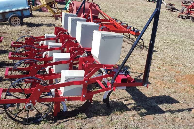 Drawn planters 4 row planter New (Lift planter) 60 kw Planting and seeding equipment