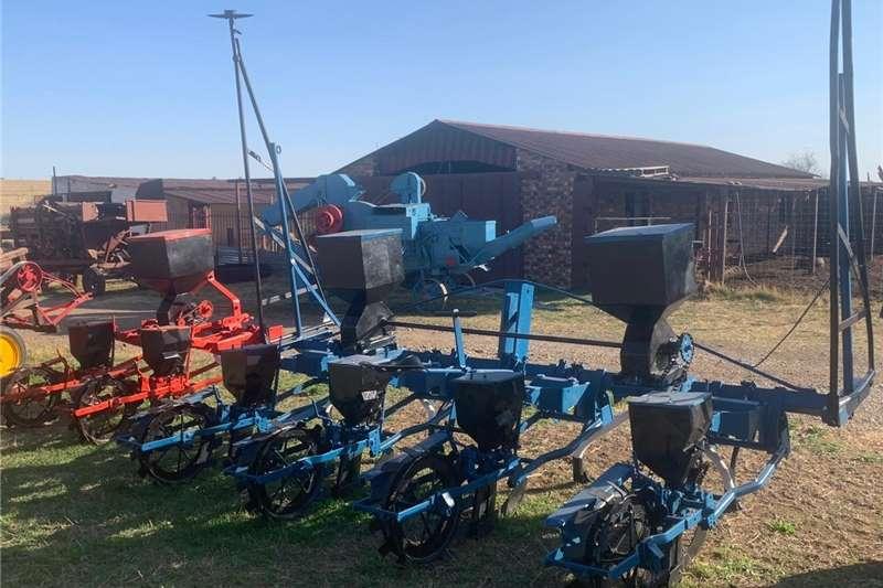 Drawn planters 4 Ry Safim Planter. Planting and seeding equipment