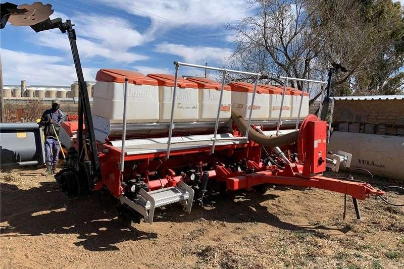 Drawn planters 6 Ry x 0.91m Jumill 3689 Vakuum Notill Planter Planting and seeding equipment