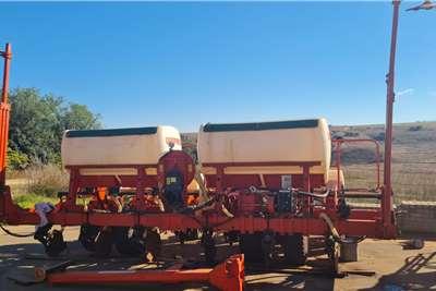 GASPARDO VACUUM 6 ROW MAIZE Planting and seeding equipment